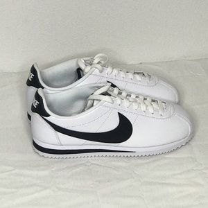Women's Leather Classic Nike Cortez White/black
